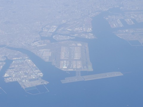 空から見る羽田空港