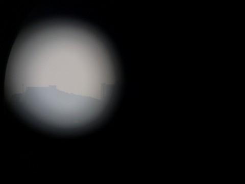 望遠鏡で見る軍艦島