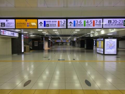 午前0時の東京駅